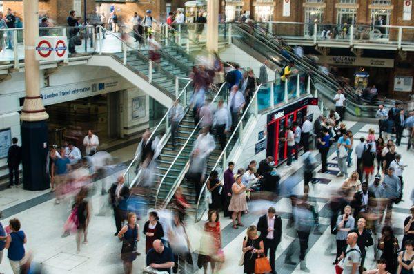 集合知を将来予測に活用する社内予測市場